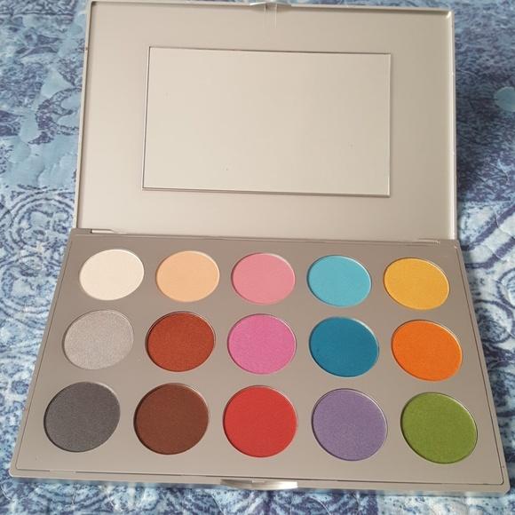 Makeup palette by Kryolan
